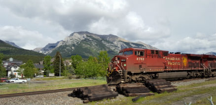 snapix_train_in_canmore