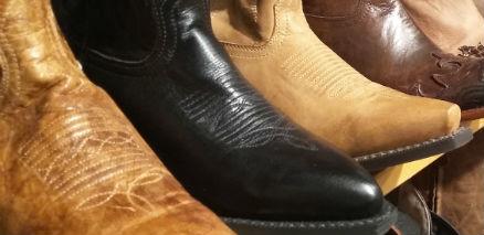 snapix_cowboy_boots