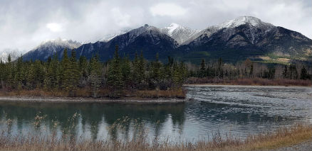 snapix_canmore_mountains_with_fall_snow_peaks